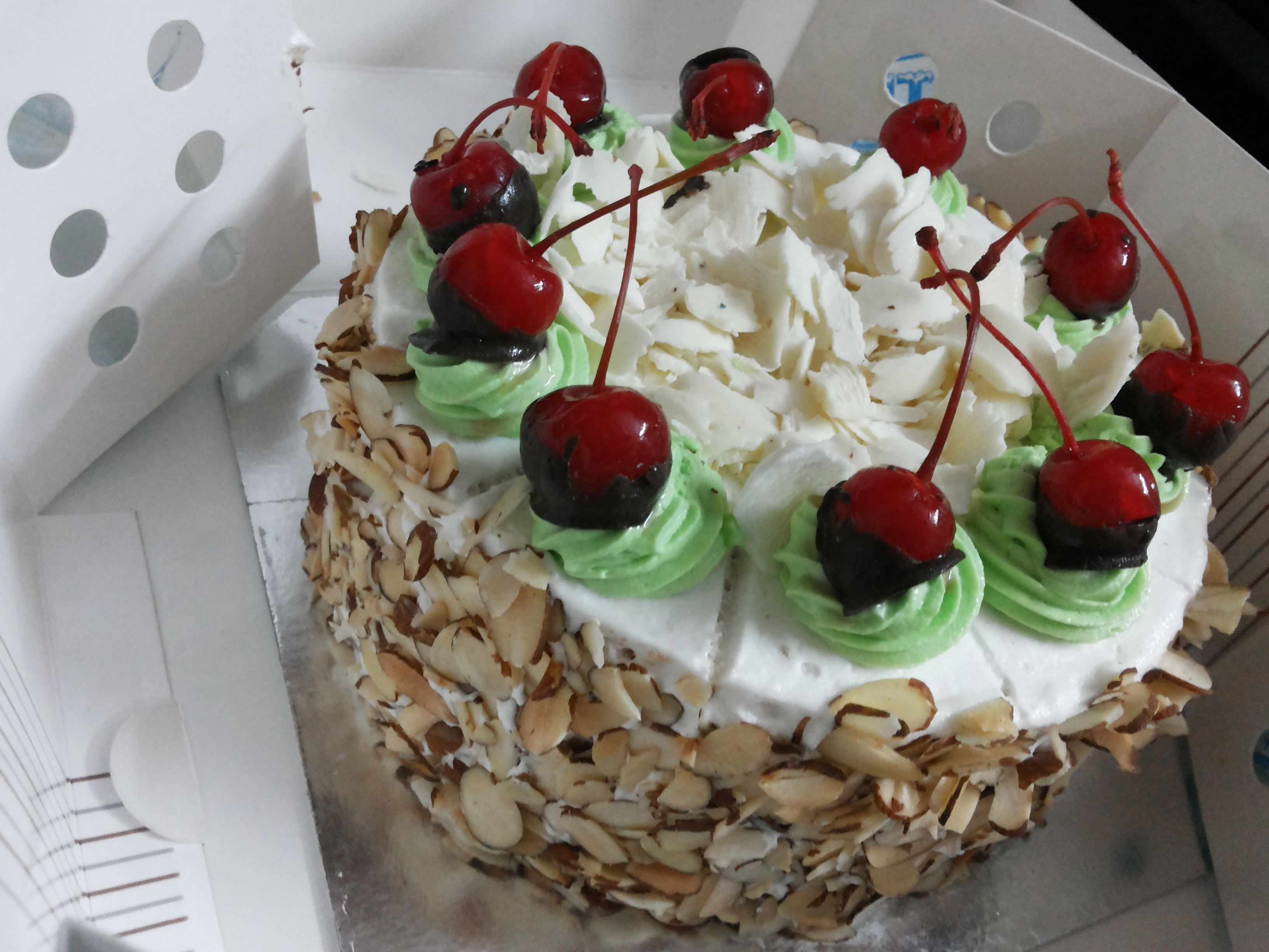 Ice cream cake home delivery in chennai